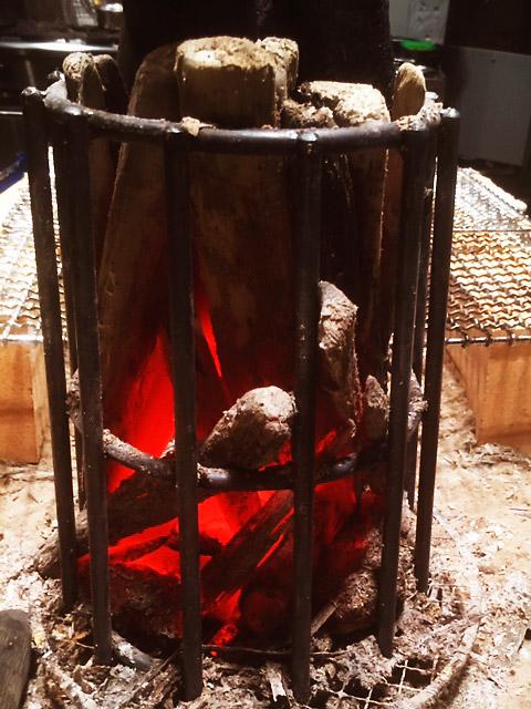 「falo」はイタリア語で焚き火という意味